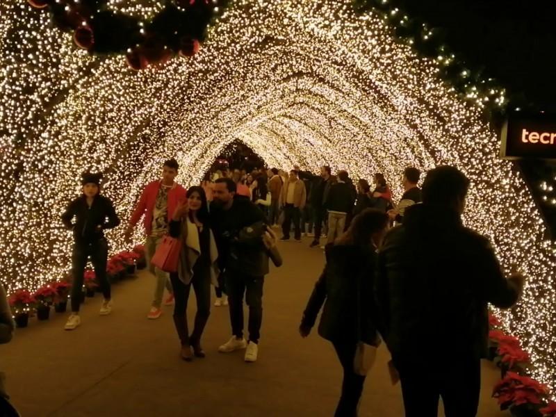 Disfrutan en familia las fiestas decembrinas en Navidalia