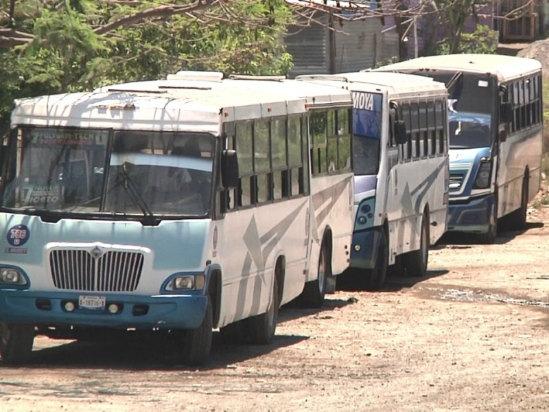 Disminuyen rutas de transporte en un 50% por contingencia