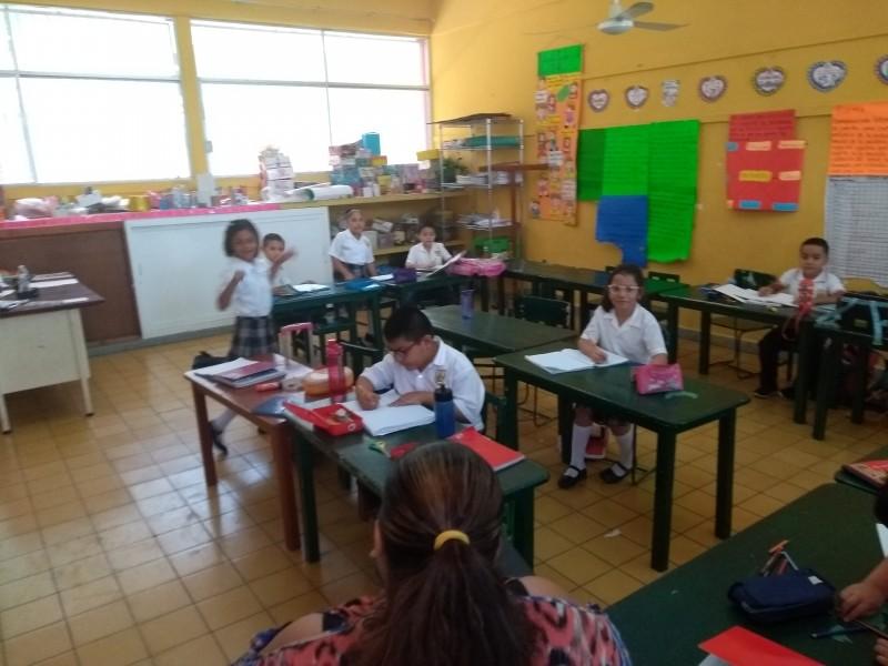 Disminuyó asistencia a escuelas por partido de México