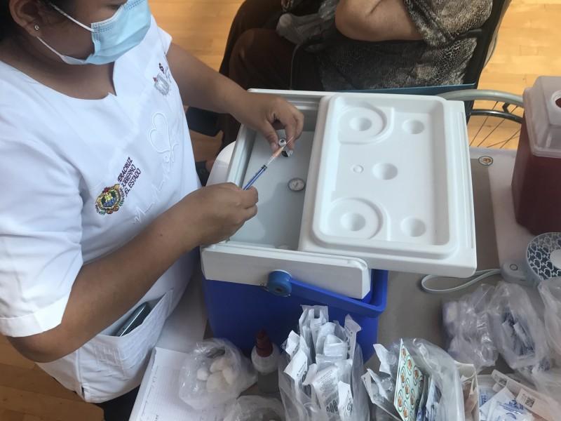 Docentes en Veracruz recibirán vacuna CanSino