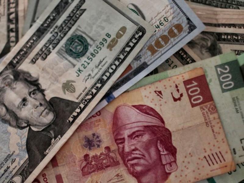Dólar cede terreno, abre en $18.81 en bancos