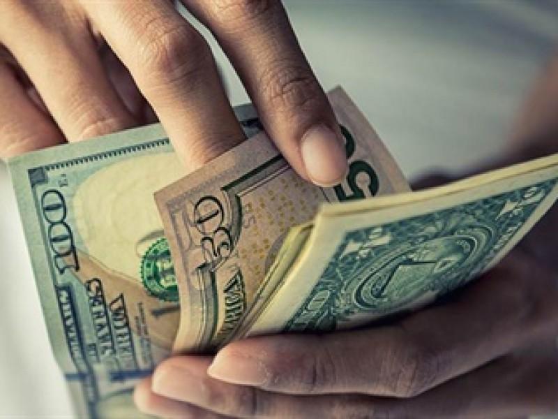 Dólar revierte pérdidas, se vende en $18.99