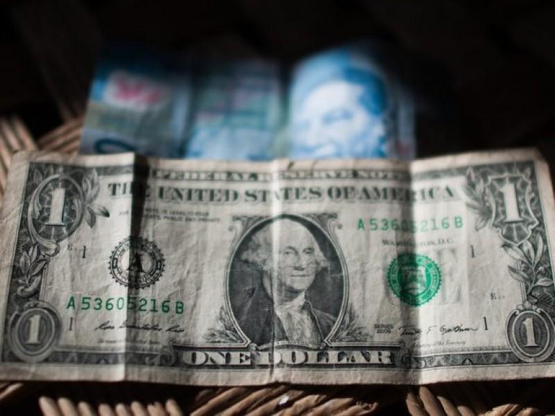 Dólar rompe récord por coronavirus y llega a 23 pesos