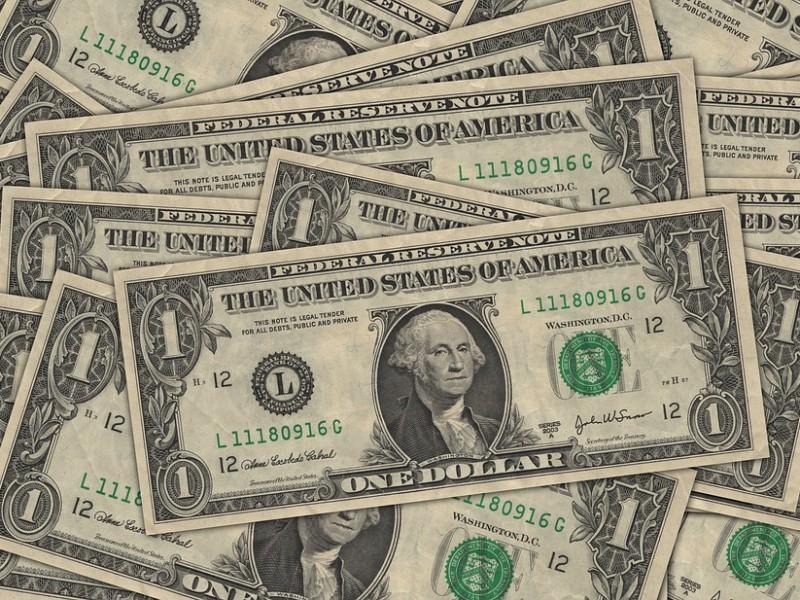 Dólar se vende hasta en 19.47 pesos