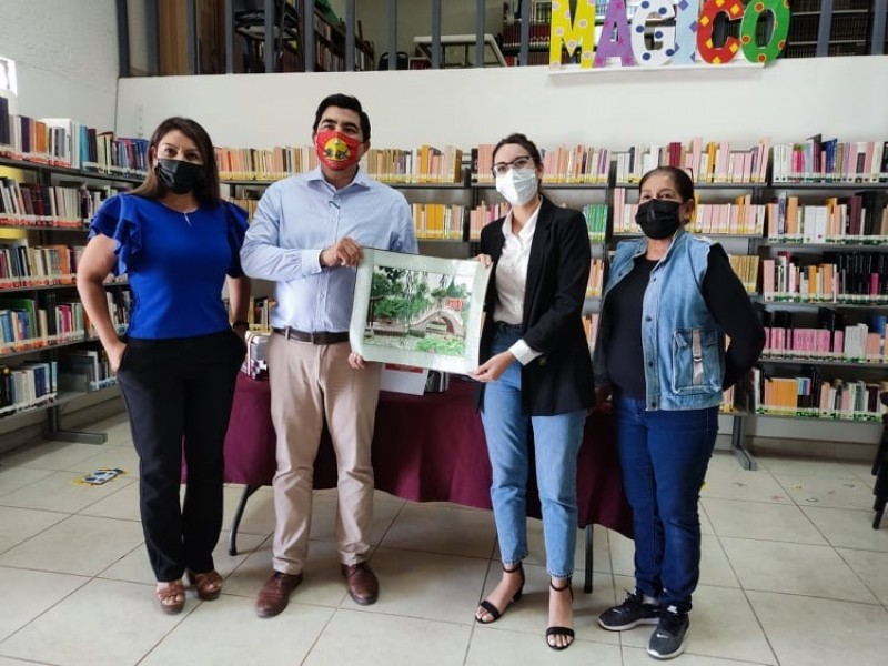 Dona BC libros a Dirección Municipal de Cultura