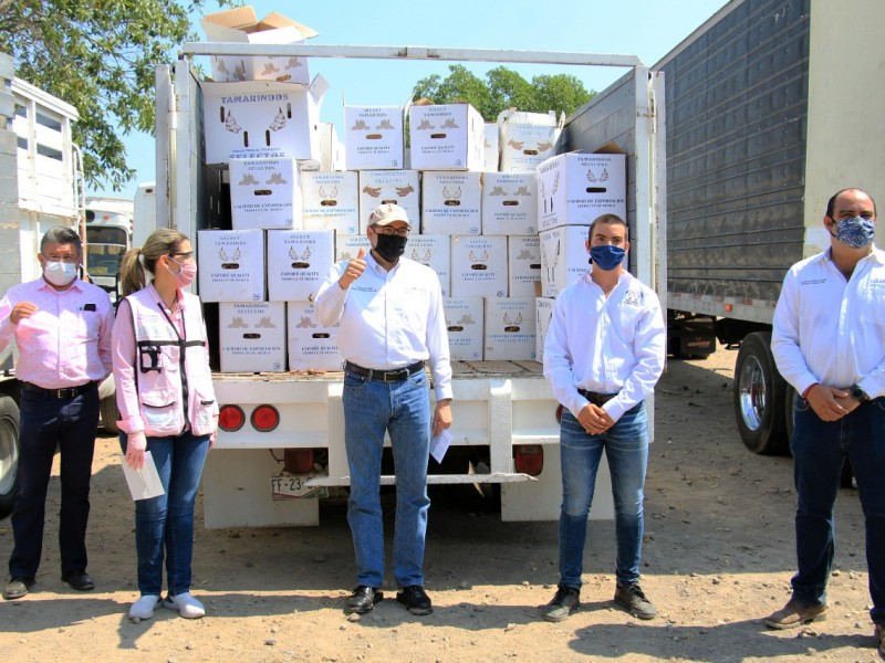 Donan productores 50 toneladas de productos frescos para familias vulnerables