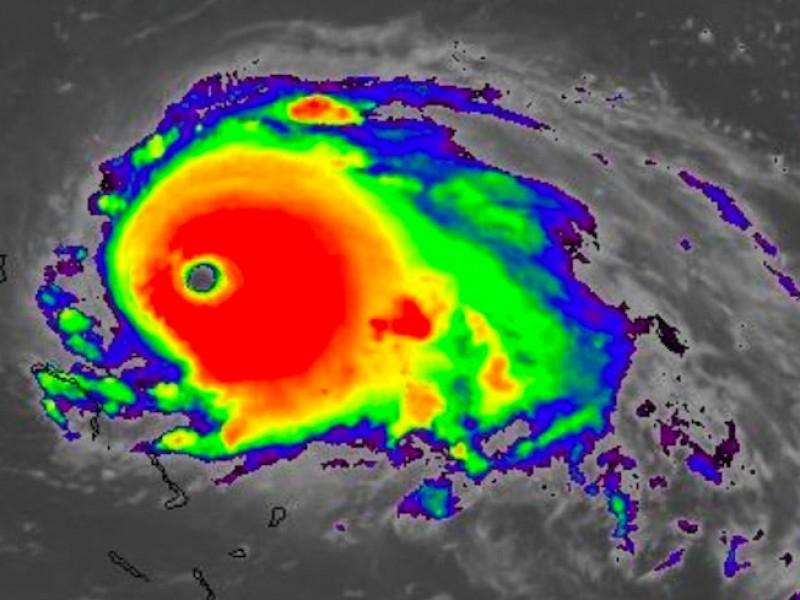 """""""Dorian"""" impacta las Bahamas con categoría 5"""