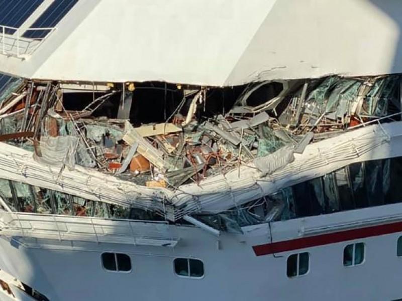 Dos cruceros chocan en Cozumel