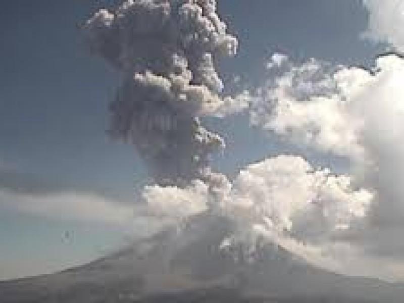 Dos explosiones en el Popocatépetl