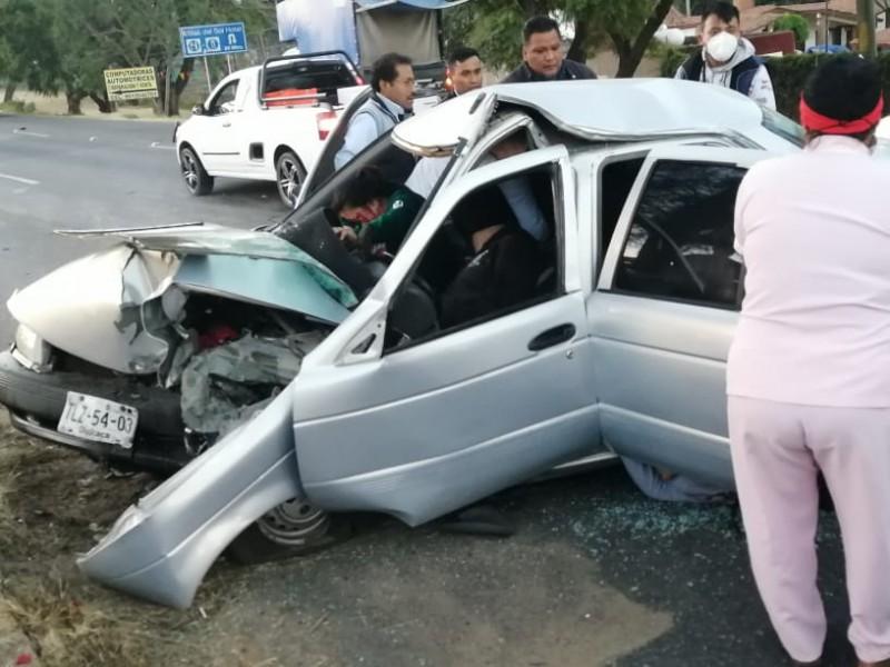 Dos fallecidos tras fatal accidente, el conductor a la fuga