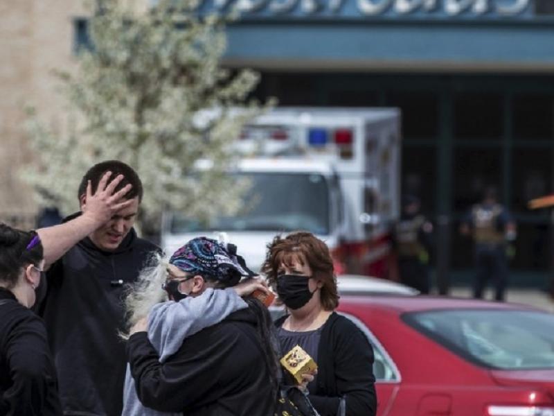 Dos heridos tras tiroteo en centro comercial de Nebraska