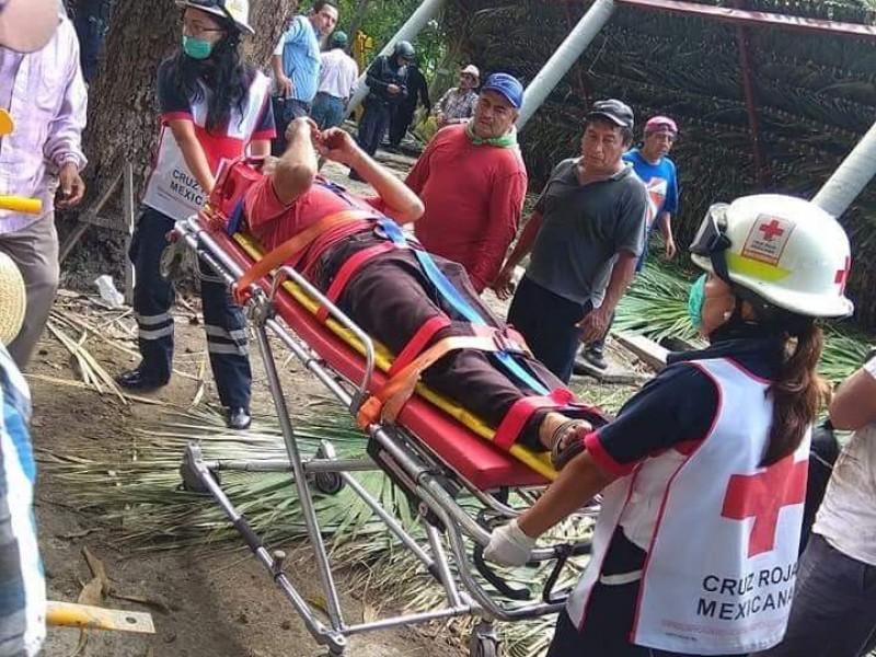Dos muertos saldo de colapso de palapa enTapachula