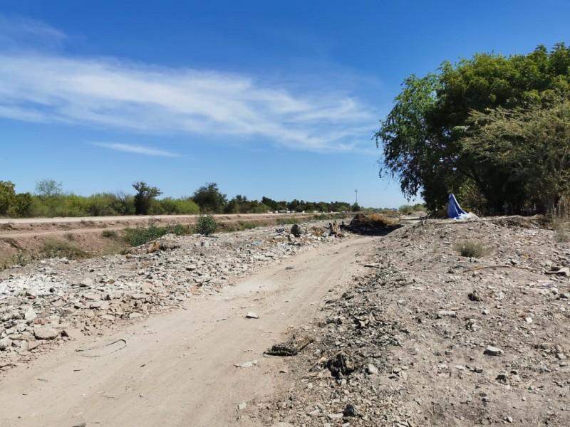 Dren Zacatecas se ha vuelto un basurón clandestino, aseguran habitantes