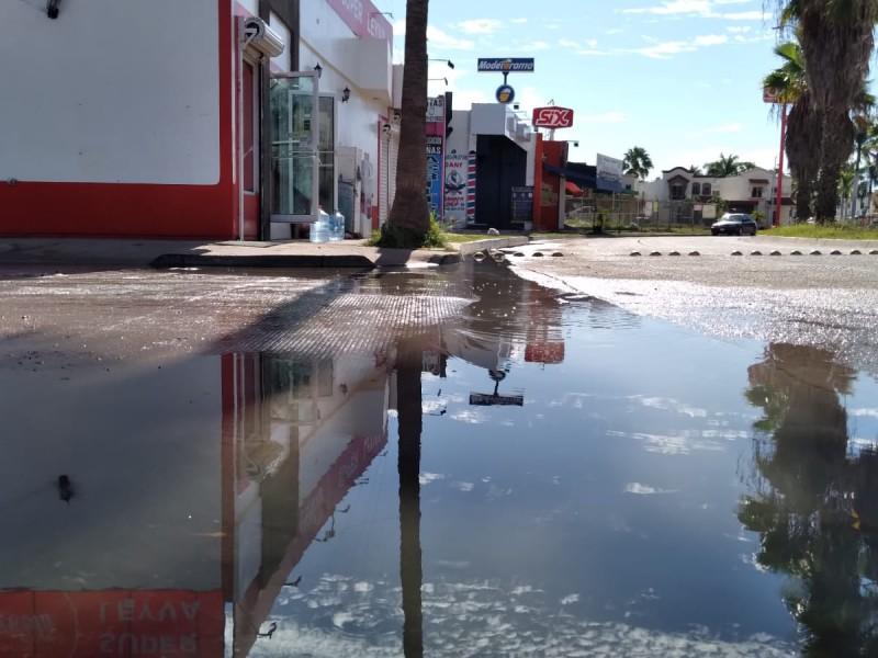 Drenajes quedan colapsados tras inundación en Los Mochis