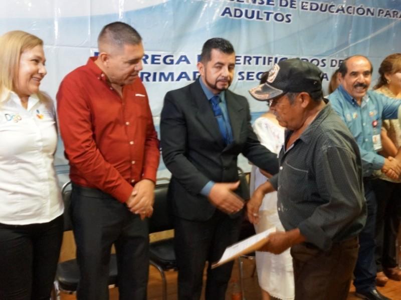 IDEA busca disminuir analfabetismo en Durango