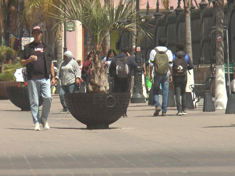 Duranguenses salen a las calles pese a recomendaciones