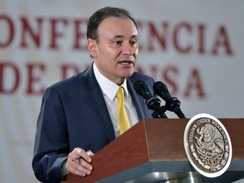 Durazo renuncia y anuncia interés por la gobernatura de Sonora