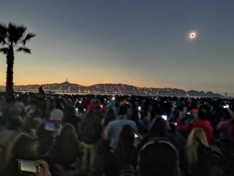 Eclipse solar oscureció cielo chileno durante dos minutos
