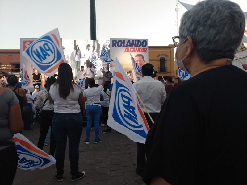 Economía, deporte y seguridad; consignas de Rolando Alcantar para reelección