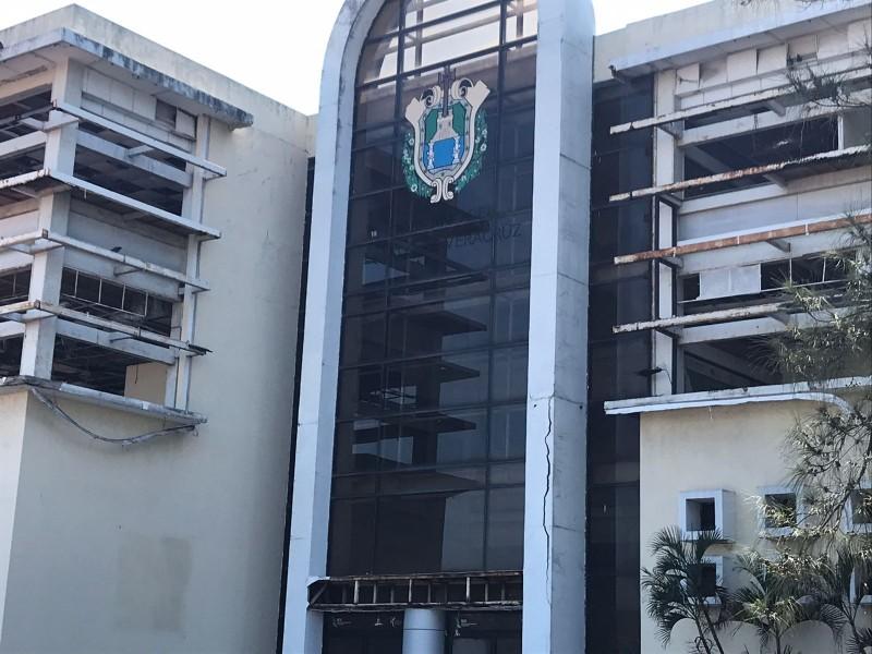 Edificio del IVD se encuentra en total abandono