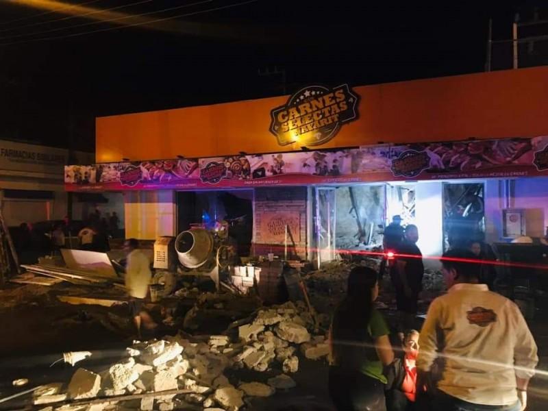 Edificio se derrumba en Villa Hidalgo. Una persona falleció.