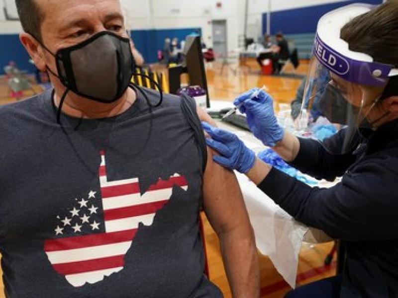 EEUU estima 70% de adultos mayores vacunados al 4 Julio