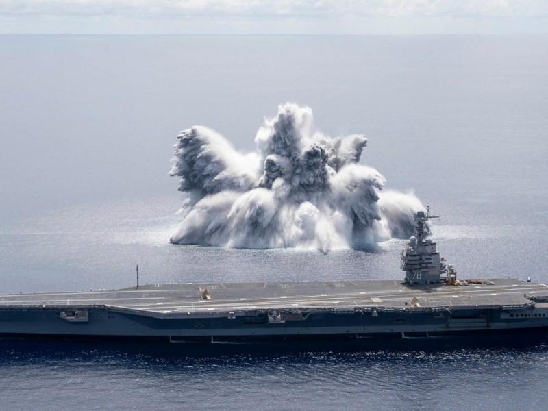 EEUU pone a prueba su nuevo portaaviones con una explosión
