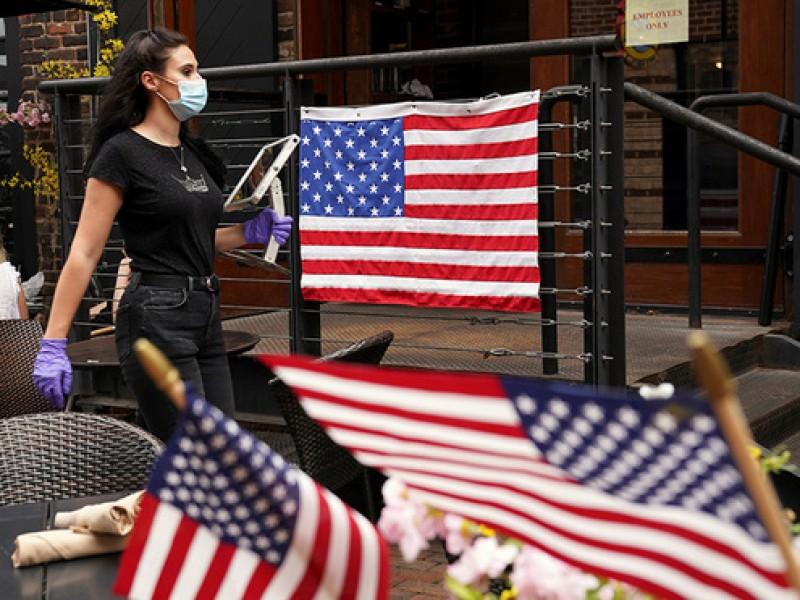 EEUU rompe nuevo récord Covid-19 con 121 mil casos diarios