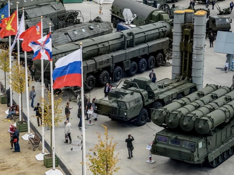 EEUU y Rusia prorrogan Tratado de Reducción de Armas