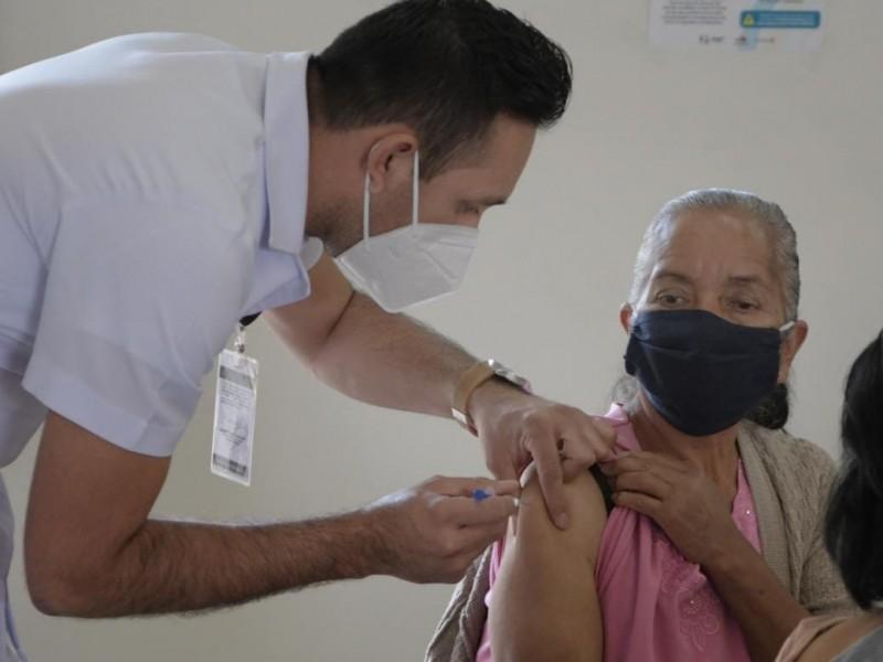 Efectividad de vacuna CanSino podría disminuir con el tiempo
