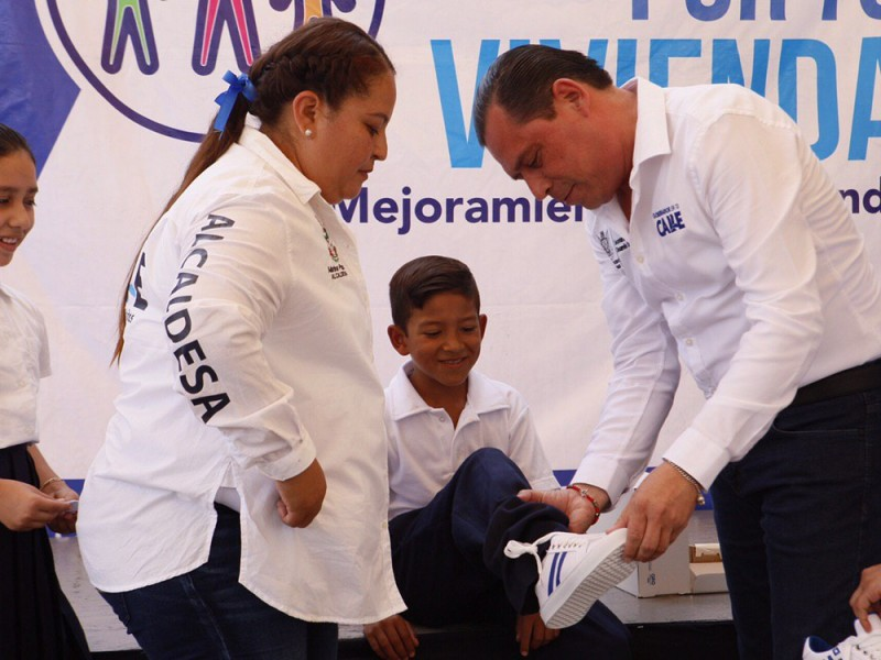 Ejecuta SEDESOQ obras y programas en Sierra Gorda