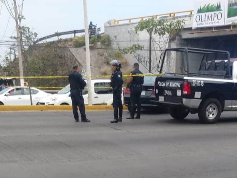 Ejecutan a automovilista afuera de Bugambilias