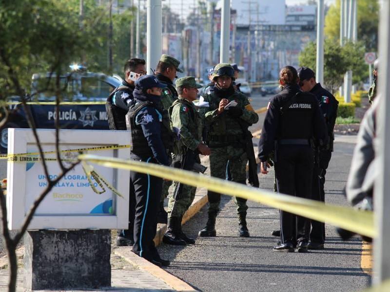 Ejecutan a balazos a ex federales en Celaya