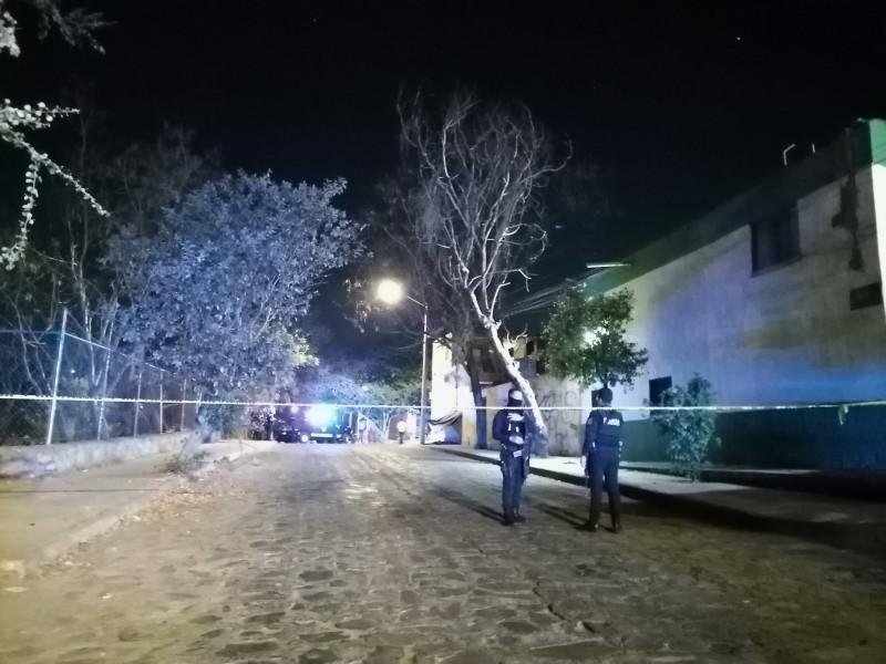 Ejecutan a dos en Guadalajara; otro queda herido