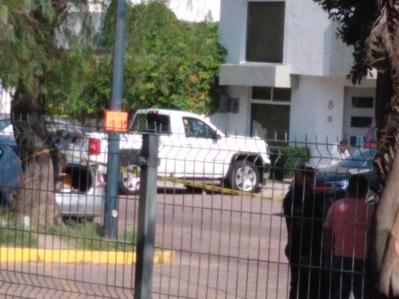 Ejecutan a un hombre en estacionamiento de Corregidora