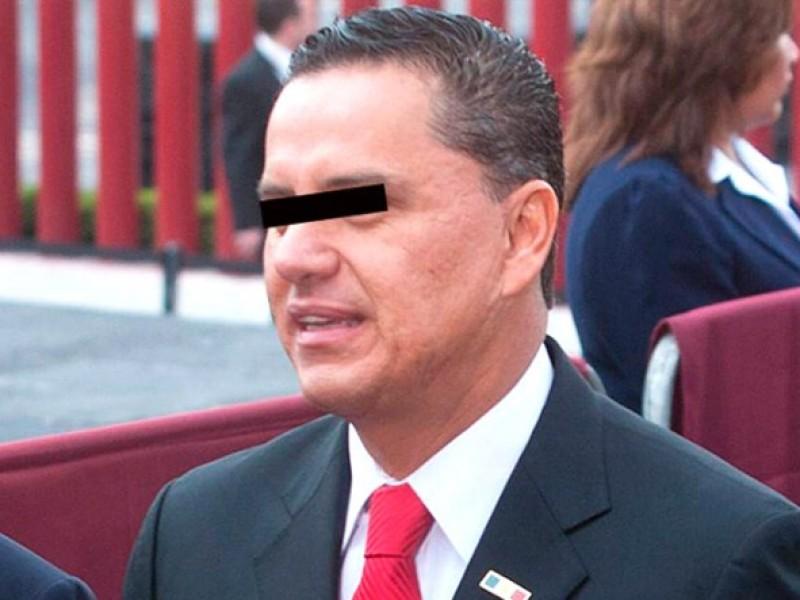 Ejecutan orden de aprehensión contra exgobernador Roberto