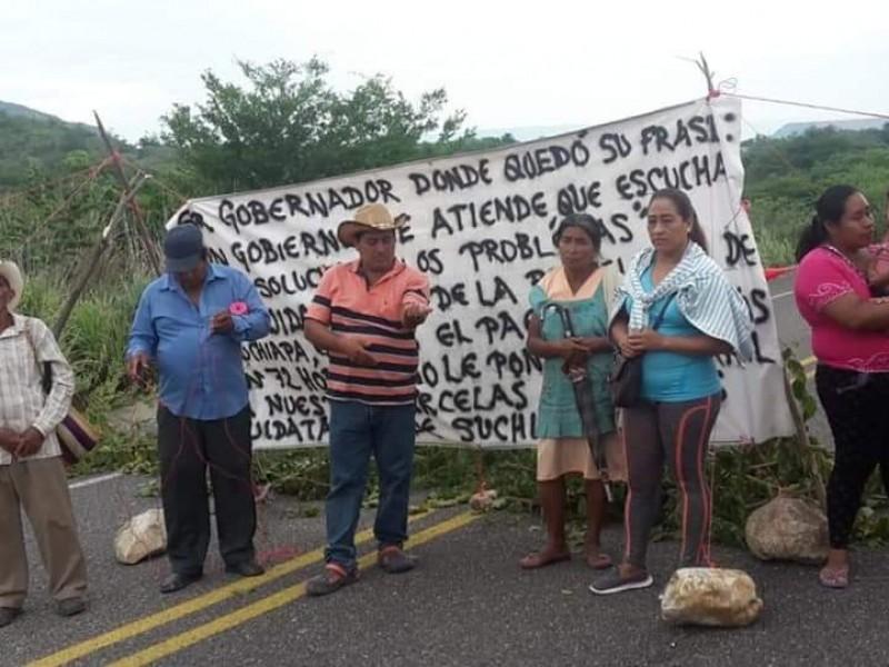 Ejidatarios exigen al gobierno el pago de sustierras