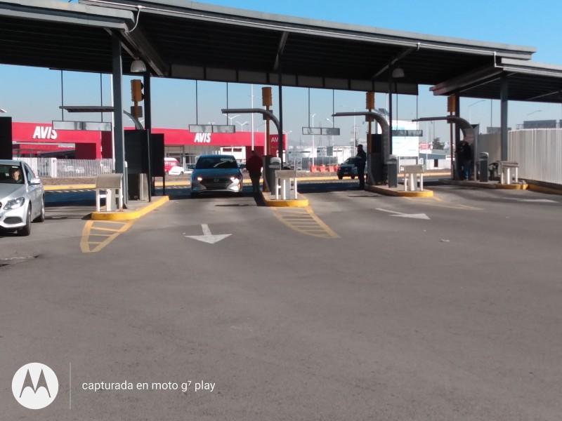 Ejidatarios mantienen plantón en Aeropuerto tras 44 días