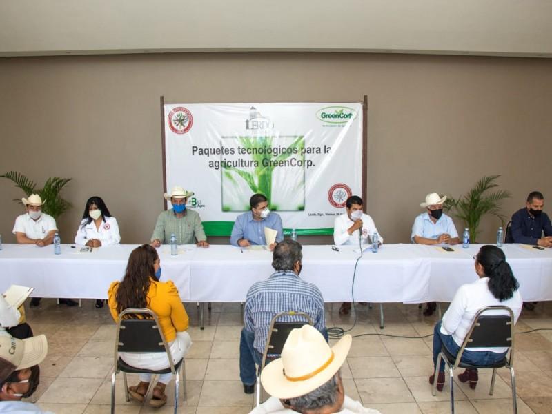 Ejidatarios reciben capacitación tecnológica para rendimiento de cultivos