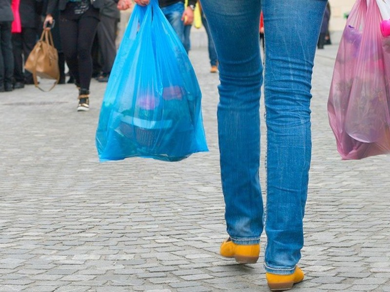 El 10 % de comercios eliminaron plásticos
