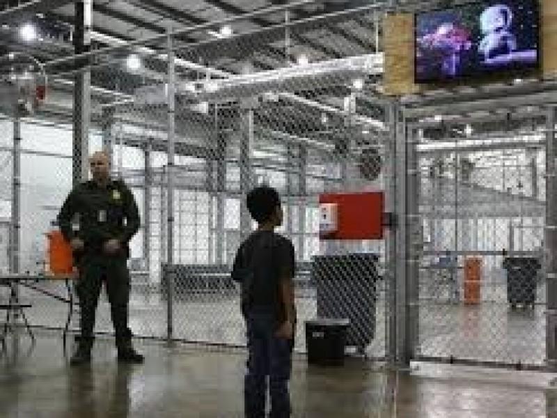 El Abuso a los Niños migrantes en E.U