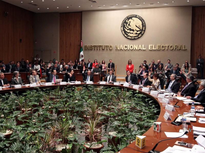 El INE pedirá 1,499 mdp para la consulta sobre expresidentes