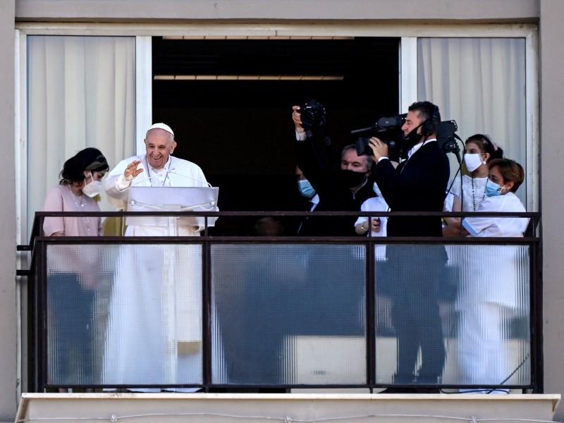 El Papa Francisco reaparece tras su operación