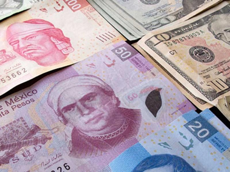 El peso cierra con pérdidas frente al dólar