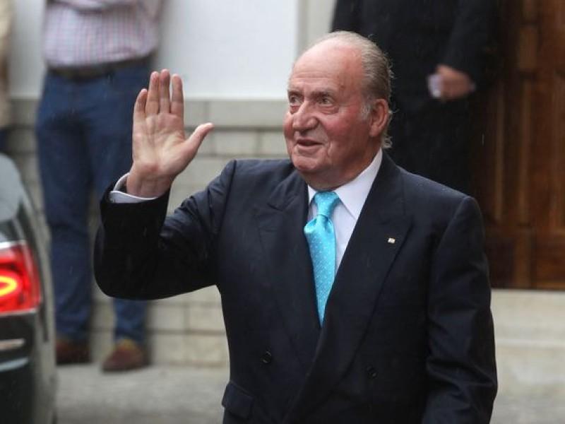 El Rey Juan Carlos abandona España, ante sospechas de corrupción