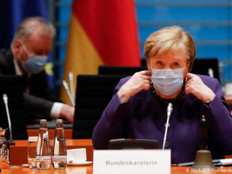 Merkel pide más restricciones en Alemania ante récord de muertes