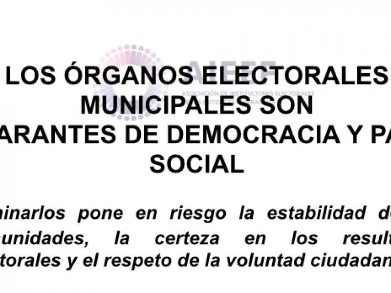 Eliminar órganos electorales locales es peligroso: AIEEF
