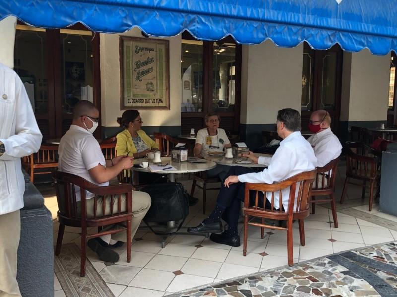 Embajador Christopher Landau se reúne con Colectivo Solecito Veracruz