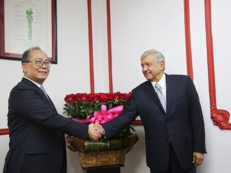 Embajador de China se reúne con AMLO