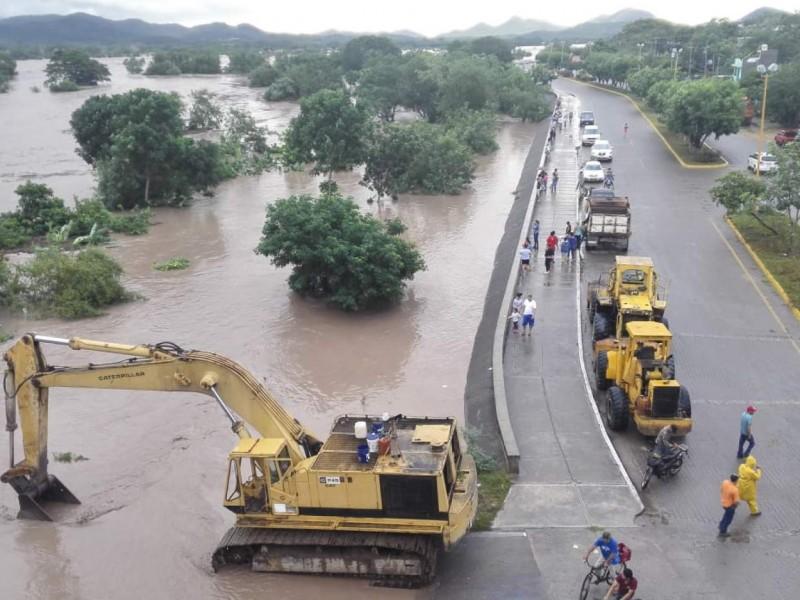 Emergencia en Sinaloa por desbordamiento del río Baluarte